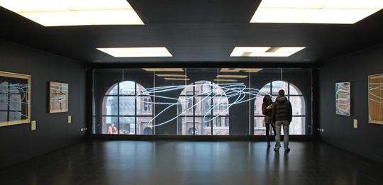 Museo del Novecento, Milan, Italie - Architectes : Italo Rota et Fabio Fornasari - Architecture intérieure et lumière : Alessandro Pedretti - 'Le néon', 1951, Lucio Fontana